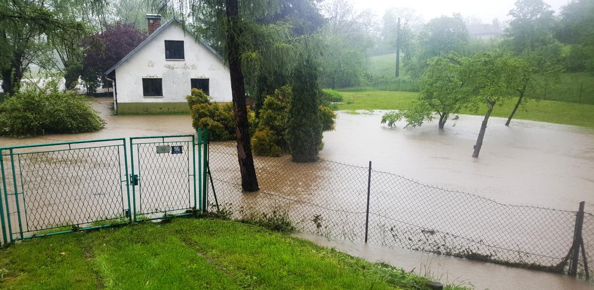 Interwencje strażaków związane z intensywnymi opadami deszczu